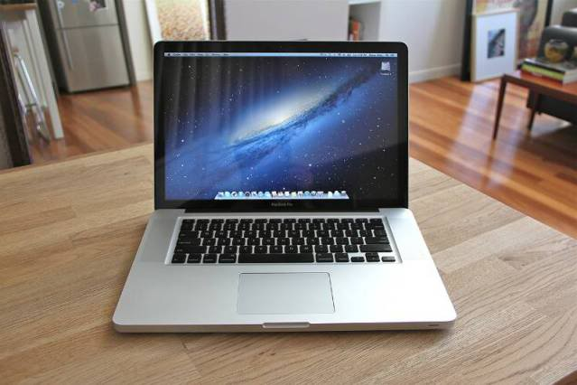 Macbook Pro MD 318
