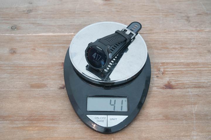 FR735XT chỉ nặng 41g