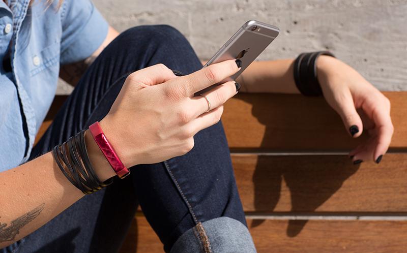 vòng đeo tay theo dõi sức khỏe Jawbone UP3