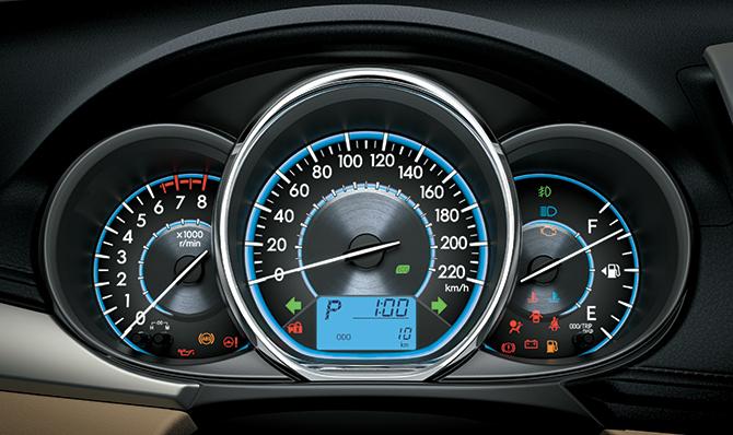 Bảng đồng hồ mới Toyota Vios 1.5G (TRD) được thiết kế mới dạng 3D