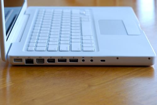 Еще одна новинка macbook - трекпад, поддерживающий multitouch