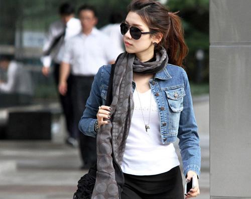 Áo Jeans làm các bạn nữ thêm năng động và cá tính