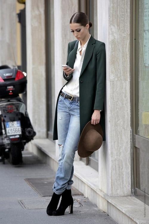 Bộ đôi ăn ý với sơ mi trắng cùng blazer