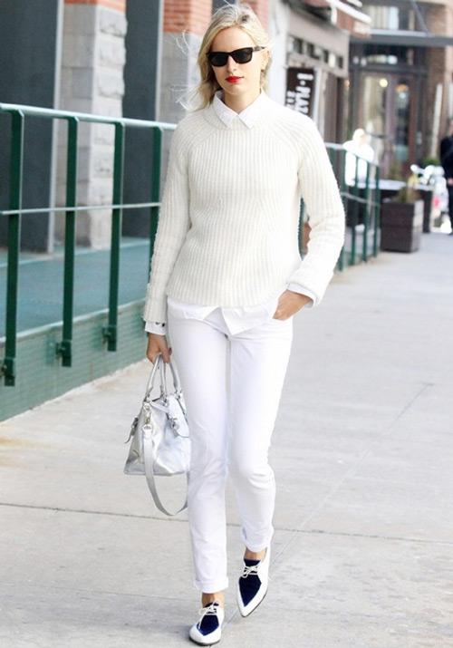 Quen thuộc nhưng thu hút khi kết hợp sơ mi trắng cùng áo len