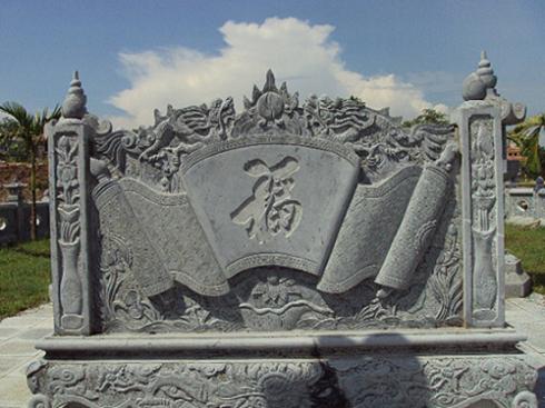 cuốn thư đá chạm chữ Phúc