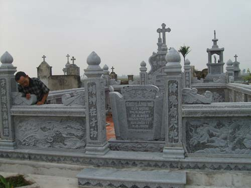 xây dựng khu lăng mộ