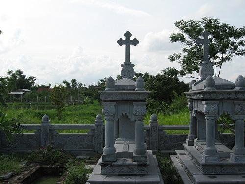 mộ công giáo