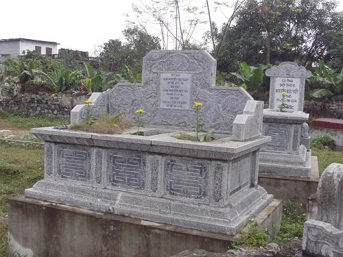 mộ đá đôi