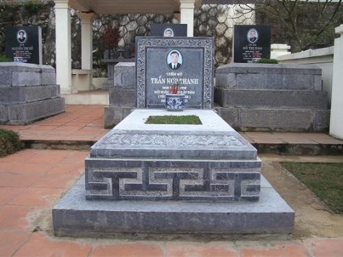 mộ đá xanh