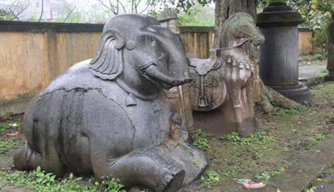 tượng voi bằng đá