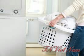 Phân loại quần áo và sử dụng hóa chất giặt là trước khi cho vào máy giặt