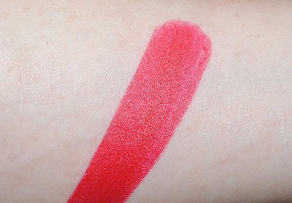tom-ford-matte-lipstick-swatch-ruby-rush