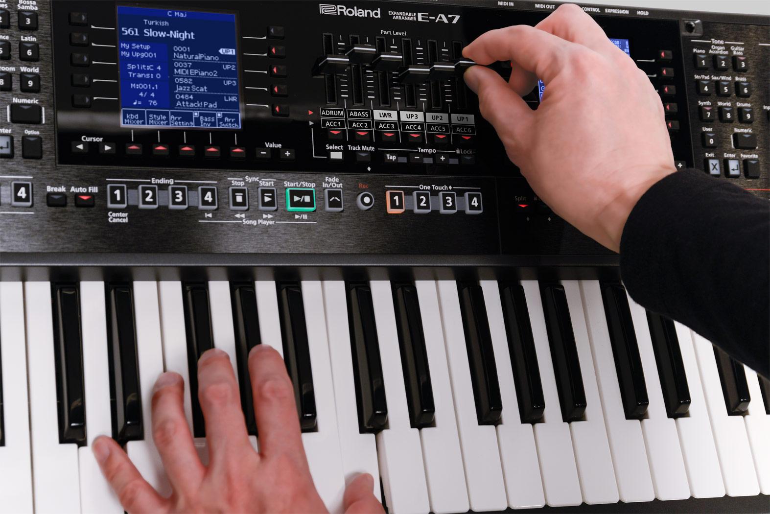 Organ-Roland E-A7-Expandable-Arranger-Keyboard-Quick-Edit