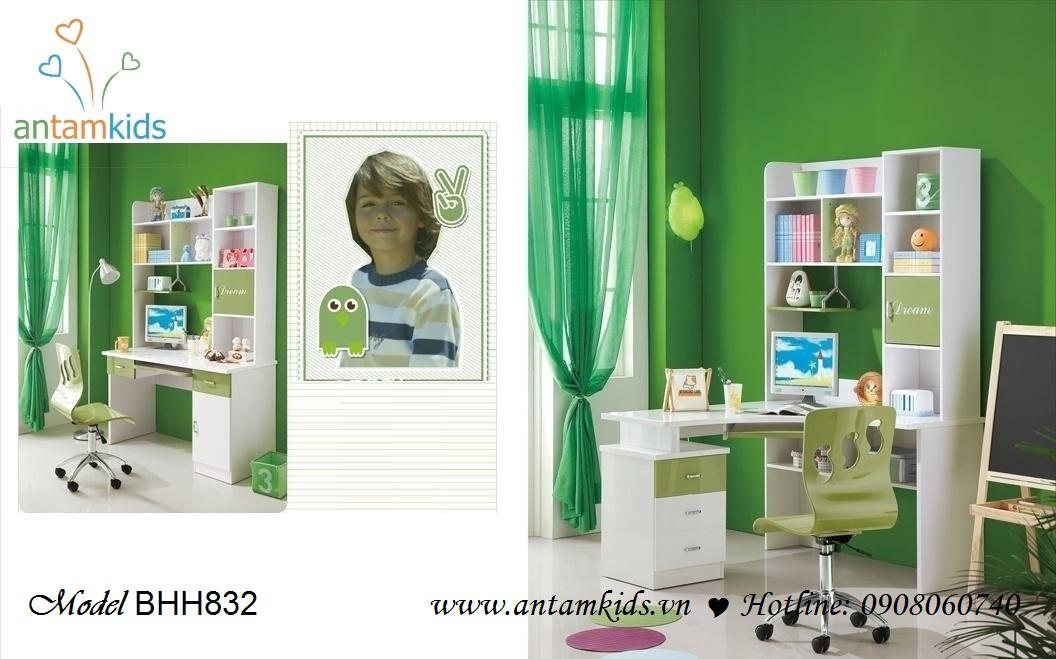 Bàn học trẻ em nhập khẩu BHH832 màu trắng - xanh rêu xinh yêu nhã nhặn dành cho bé trai - AnTamKids.vn