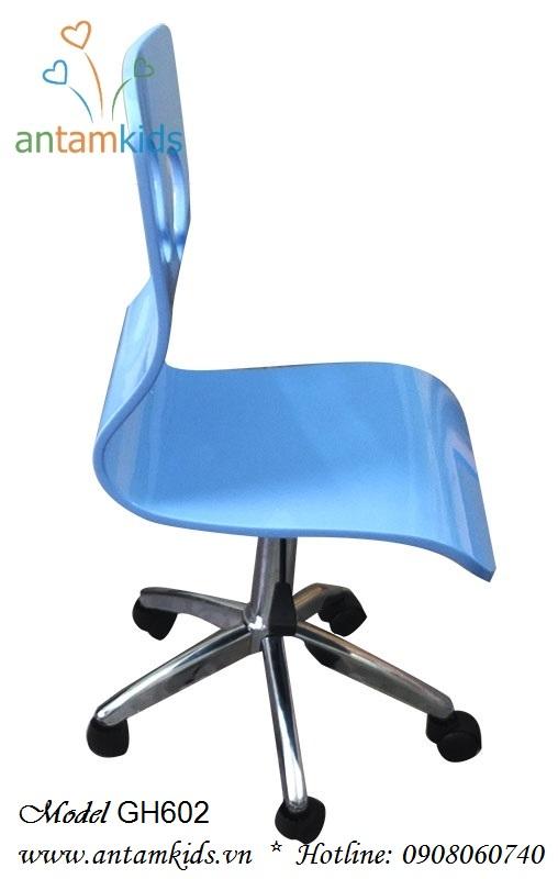 Ghế học cho bé GH602 xoay màu xanh dương điều chỉnh độ cao & góc quay tiện dụng dành cho bé trai bé gái ngồi học - AnTamKids.vn Có nhiều màu sắc ghế xoay để bạn lựa chọn cho phù hợp với tông màu của bàn học.