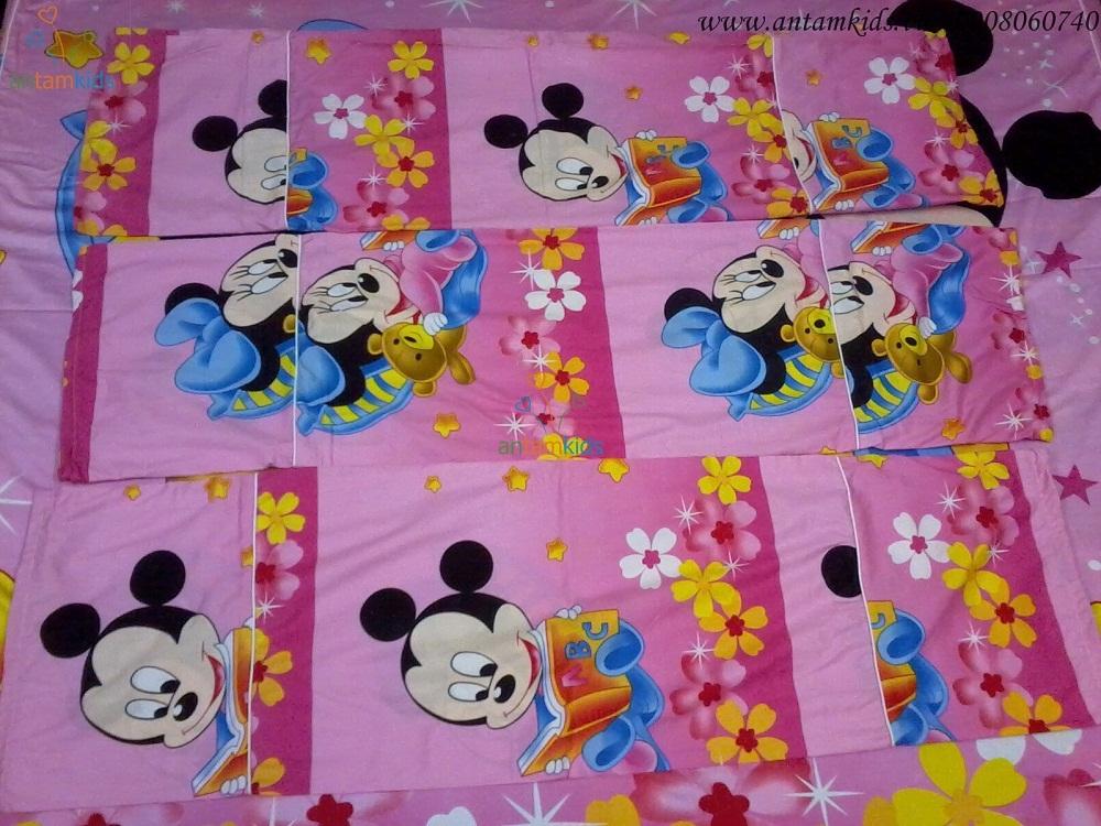 Gối ôm to Mickey hồng GO09