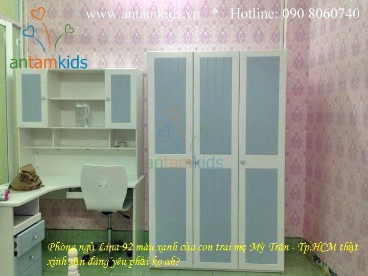 Bàn học cho bé màu xanh dương Tomy Niki - AnTamKids.vn