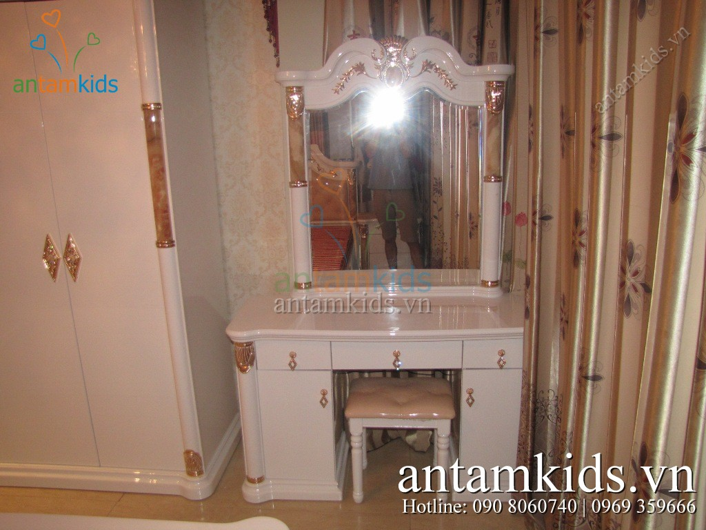 Nội thất Phòng ngủ cổ điển đẹp - Hình chụp thật AnTamKids.vn