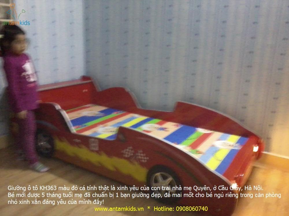 Giường ô tô KH363 màu đỏ cá tính thật là xinh yêu của con trai mẹ Quyên, ở Lê Văn Lương, Cầu Giấy, Hà Nội.