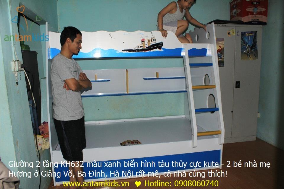 Giường 2 tầng KH632 màu xanh biển hình tàu thủy cực kute - 2 bé nhà mẹ Hương ở Giảng Võ, Ba Đình, Hà Nội rất mê, cả nhà cùng thích!