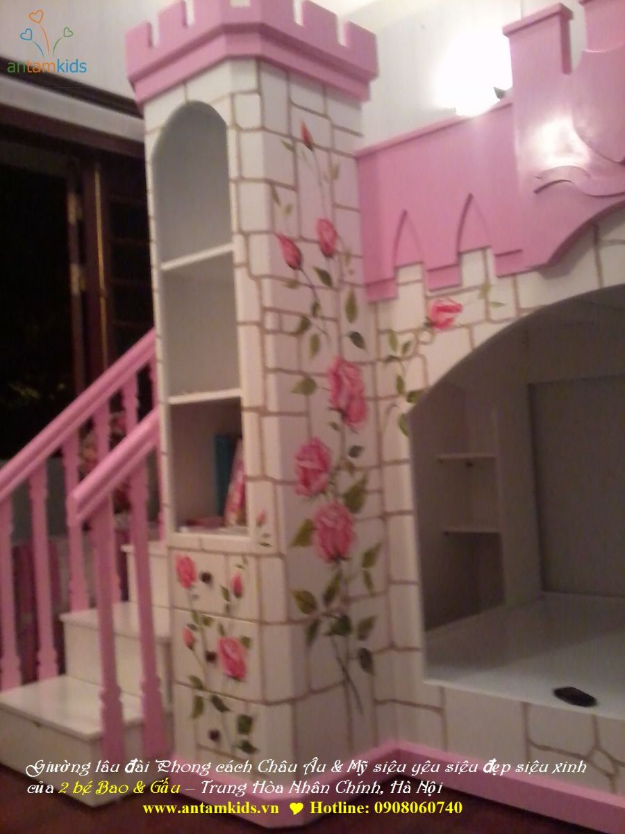 Giường lâu đài Phong cách Châu Âu & Mỹ siêu yêu siêu đẹp siêu xinh của 2 bé Bao & Gấu – Trung Hòa Nhân Chính, Hà Nội Chú họa sĩ đang hoàn tất nốt những công đoạn thi công trang trí cuối cùng đấy ạ! www.antamkids.vn   Hotline: 0908060740