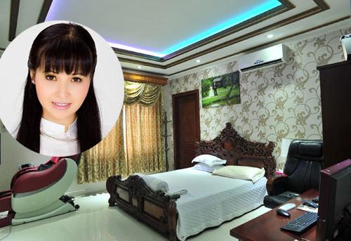 Ca sĩ Trang Nhung lại chọn cho vợ chồng cô phong cách giường ngủ kiểu cổ điển quý phái sang trọng - AnTamKids.vn