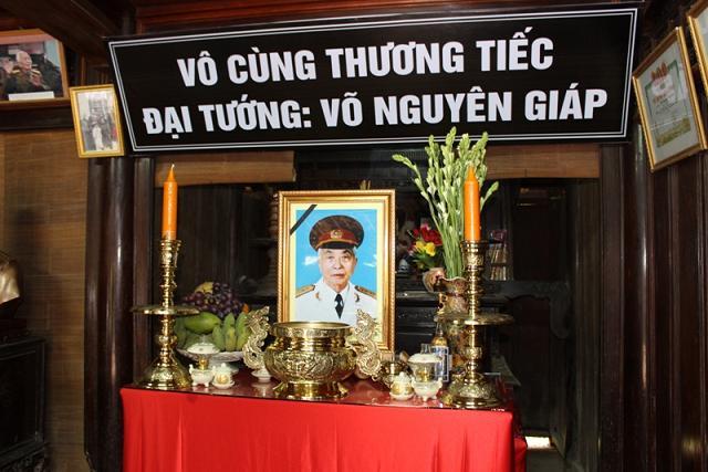 Vô cùng thương tiếc đại tướng Võ Nguyên Giáp