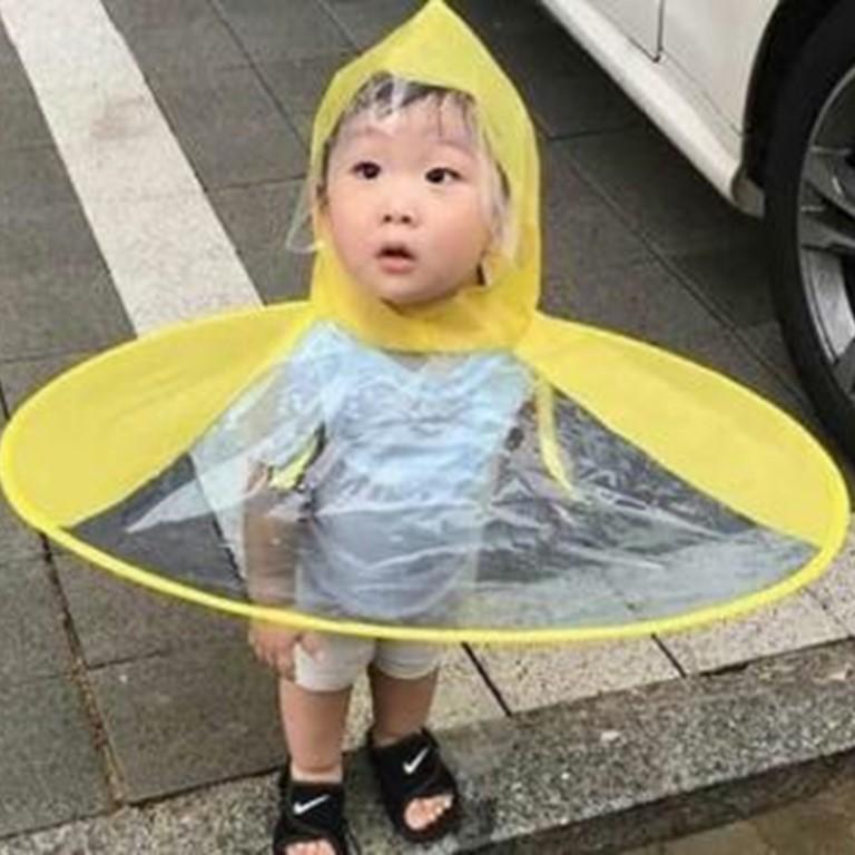 """""""Mũ-Ô"""" đi mưa cho bé"""
