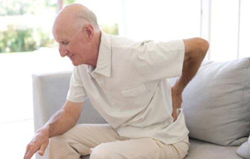 Người bị đau lưng nên có một tấm đệm riêng