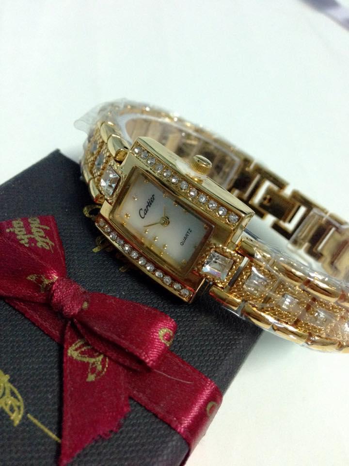 đồng hồ lắc tay nữ cartier CRV-042-4