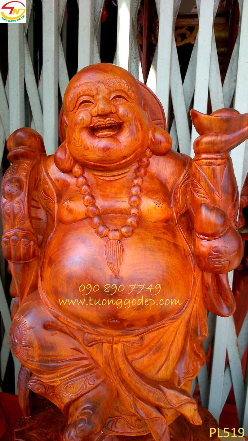 Phật Di Lặc dâng vàng