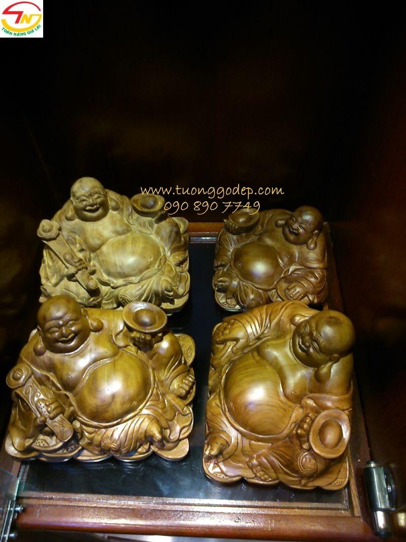 Phật Di Lặc để xe
