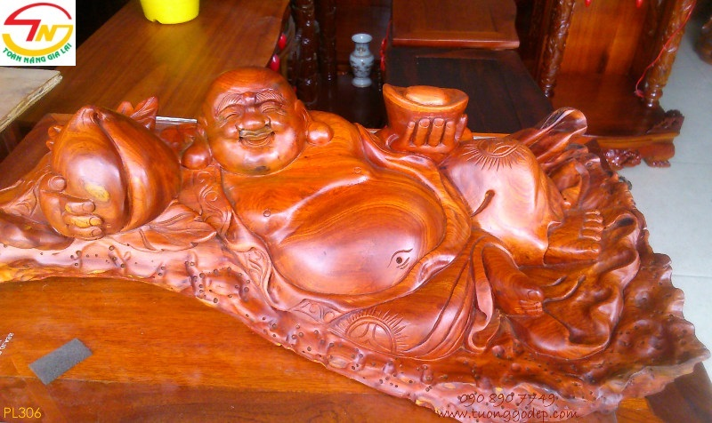 Phật Di Lặc gỗ hương