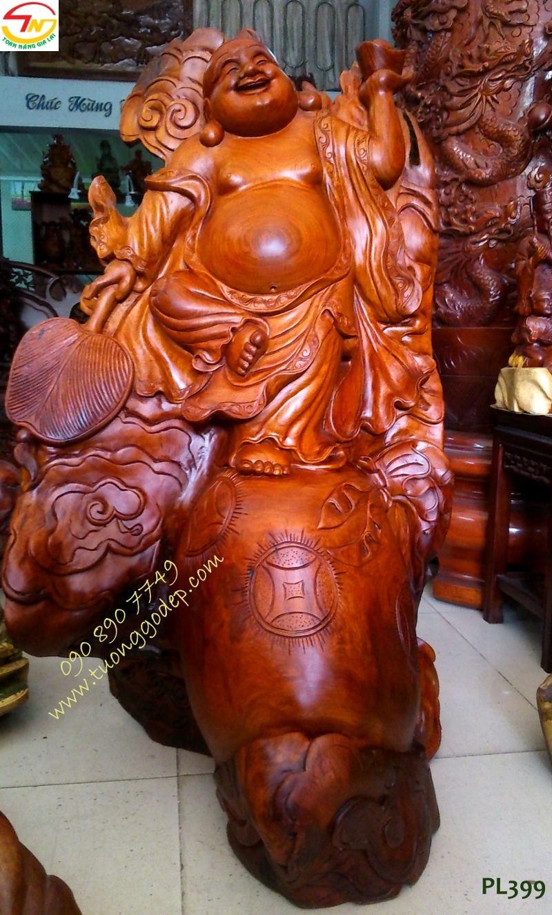 Tượng Phật Di Lặc đằng vân