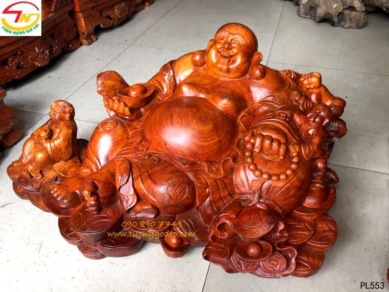 Tượng Phật Di Lặc bằng gỗ