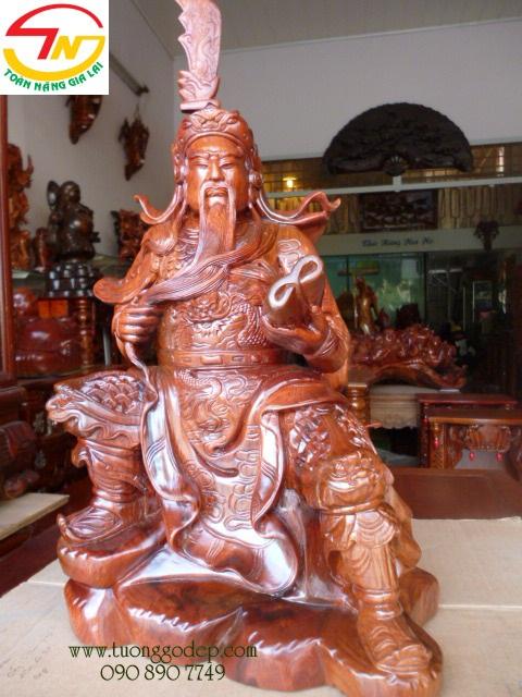 Tượng Quan Công đọc sách bằng gỗ