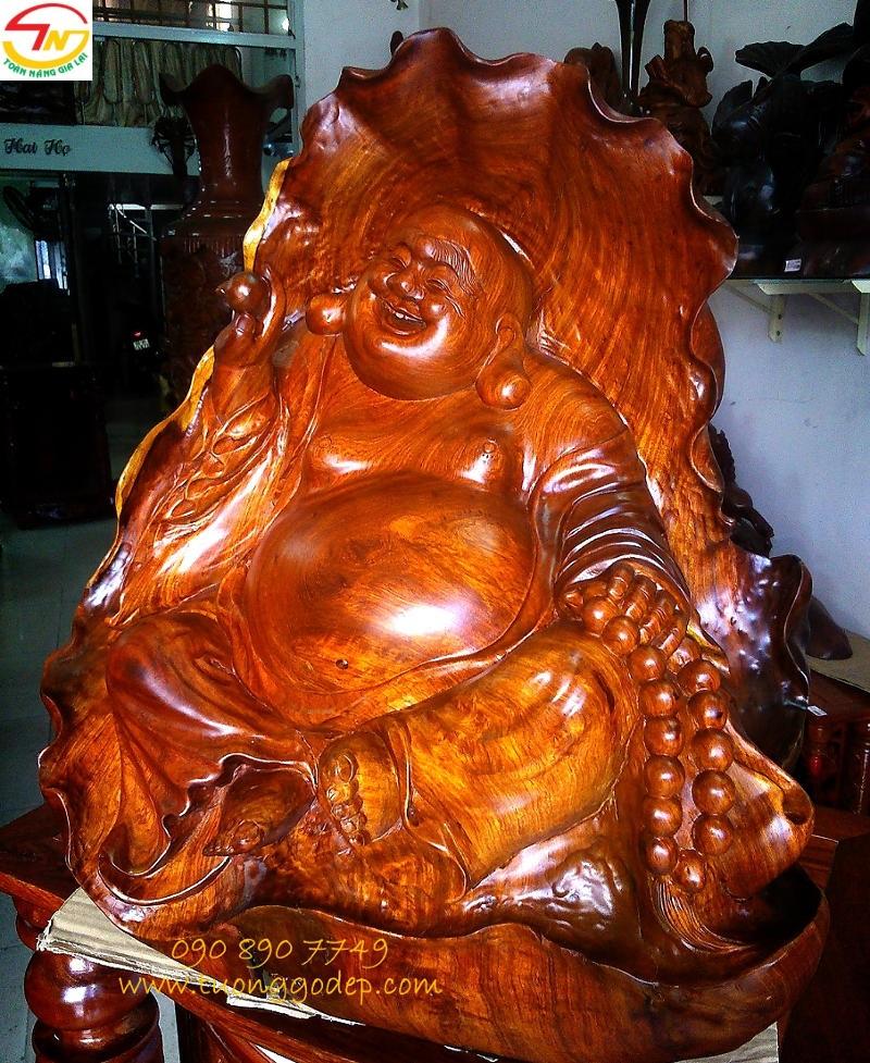 Phật Di Lặc cầm châu