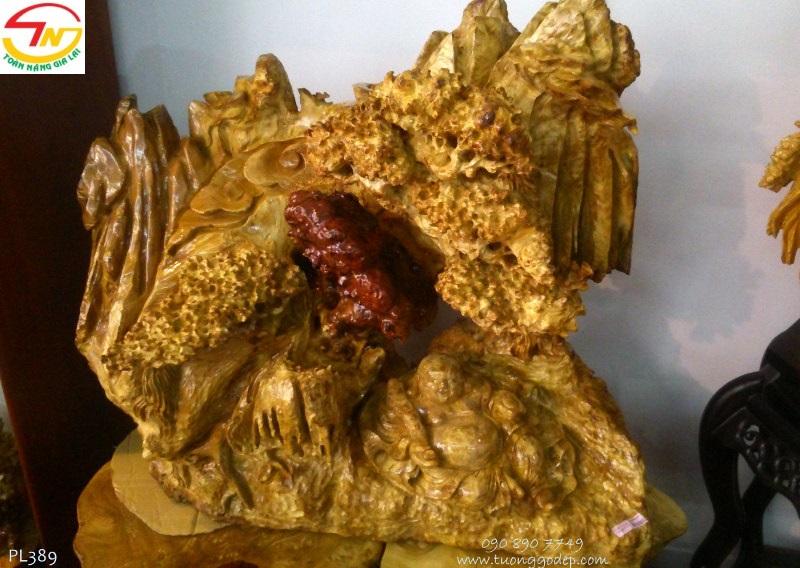 Tượng gỗ Phật Di Lặc tựa sơn