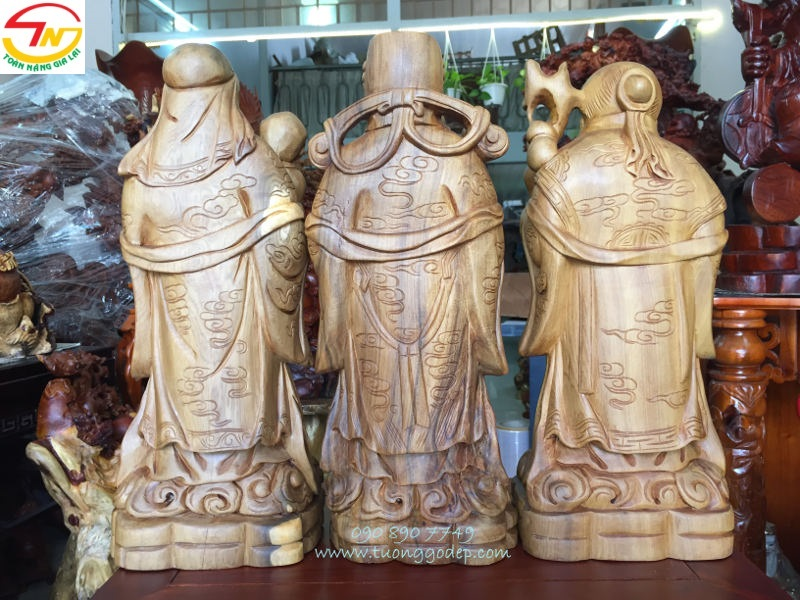 Tượng Tam Đa bằng gỗ