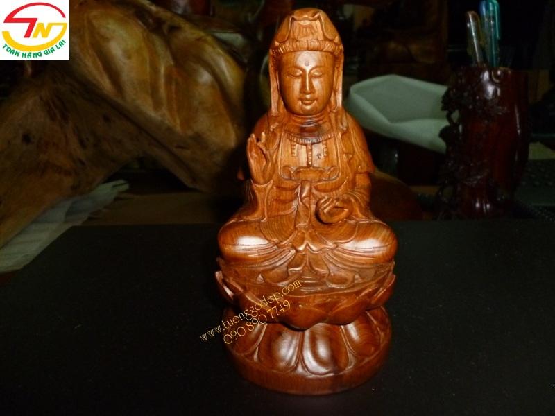 Phật Quan Âm để xe hơi