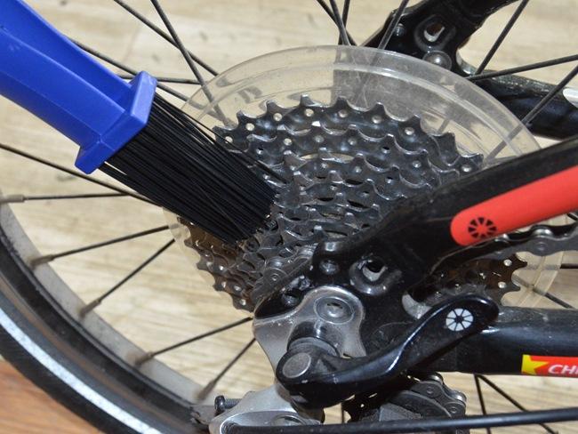 Bàn chải chùi xích líp xe đạp MS01