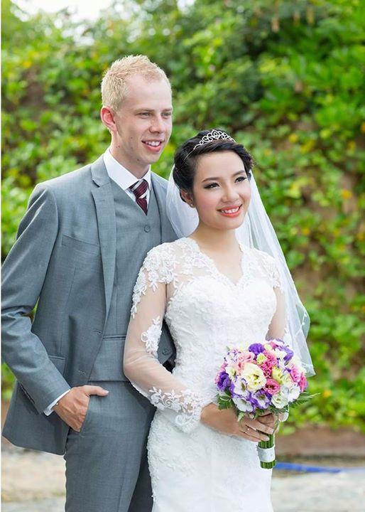 cô dâu Việt tại Mỹ đặt may váy cưới ở quê nhà