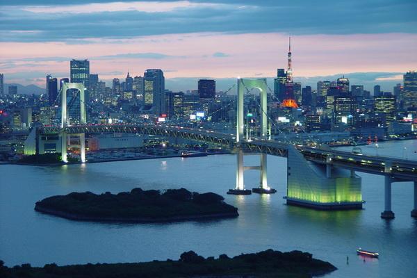 Cầu Rainbow Nhật Bản