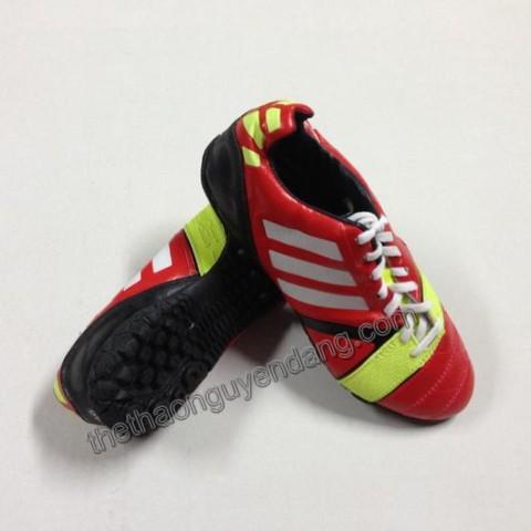 giay_da_bong_adidas_nitrocharge_da_that