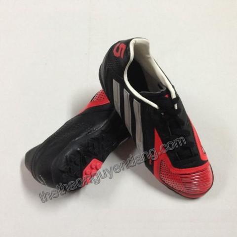 giay_da_bong_adidas_5