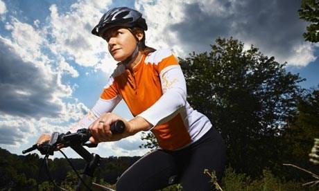 Các bạn gái lưu ý tập thể dục cung xe đạp tập