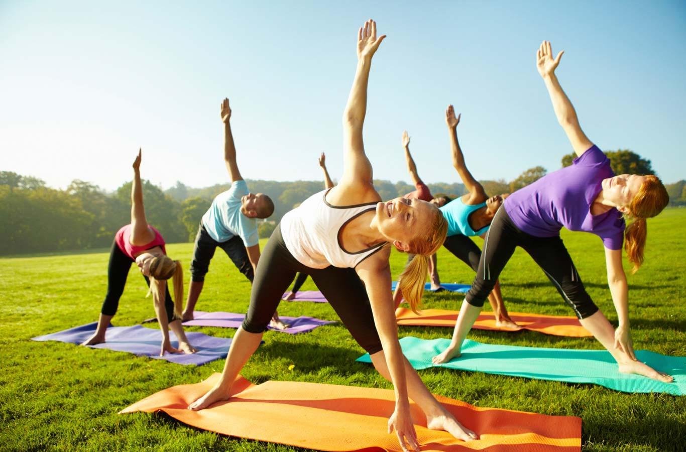 Tại sao nên chọn yoga làm bài tập thể dục giảm cân?