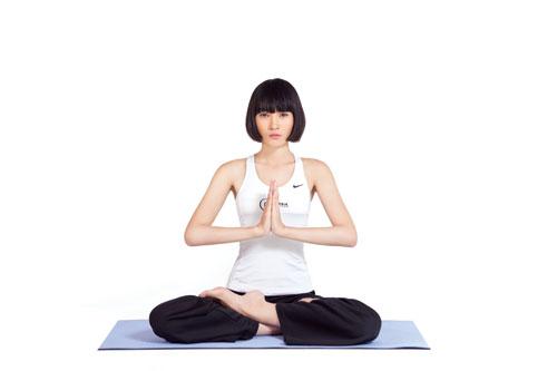 lý do tại sao cần phải có tấm thảm tập yoga