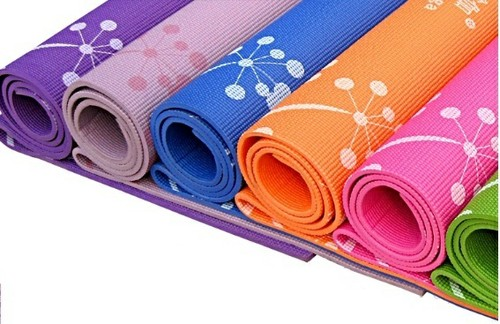 Cách lựa chọn và bảo quản thảm tập yoga