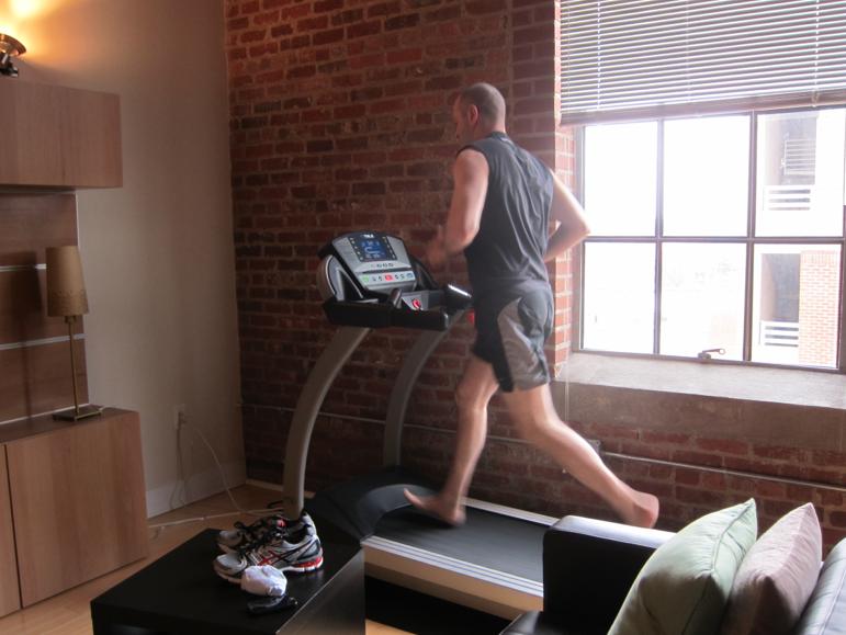 Kết quả hình ảnh cho chạy bộ chân trần